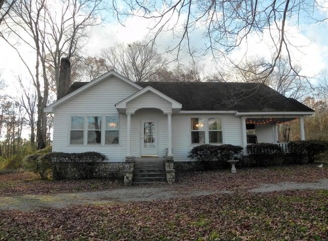 1453 Grand Center Rd, Chickamauga, GA 30707