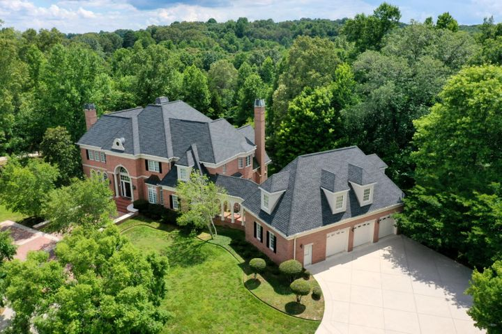 8838 Forest Creek Ln, Ooltewah, TN 37363