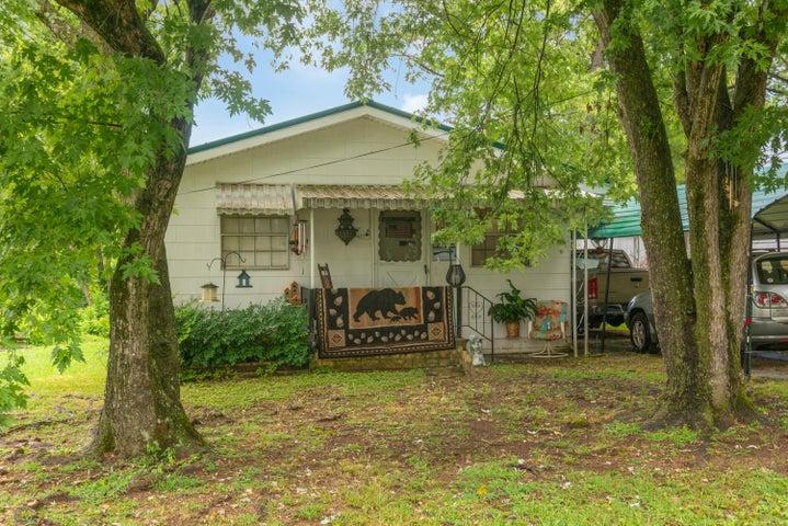 815 Henderson Ave, Rossville, GA 30741