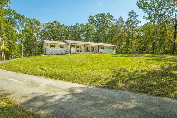 1119 Childress Hollow Rd, Chickamauga, GA 30707