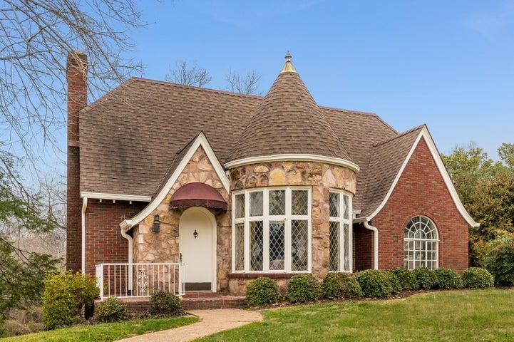 1727 Crestwood Dr, Chattanooga, TN 37405