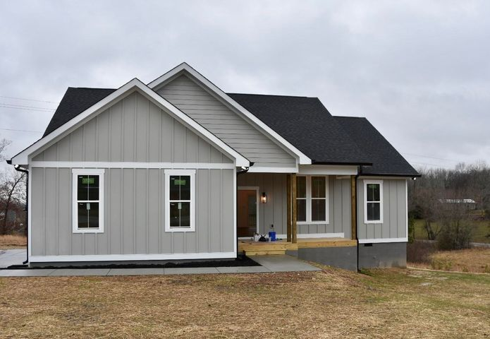 1756 New Home Rd, Trenton, GA 30752
