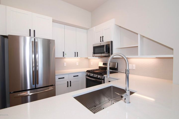 This is what the kitchen will look like when the condo is finished in mid-Jan 2019.