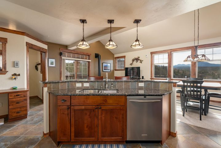 67 Cozens Pointe Circle, C-302, Fraser, CO 80442