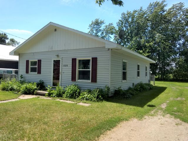 1020 TRUMAN AVE, HATTON, ND 58240