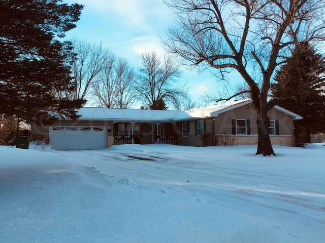 35 WESTWOOD DR, MAYVILLE, ND 58257