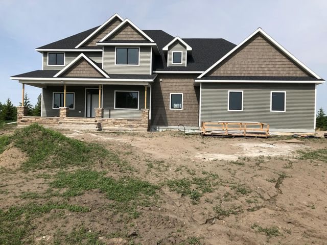 6200 DRIFTWOOD DR, GRAND FORKS, ND 58201