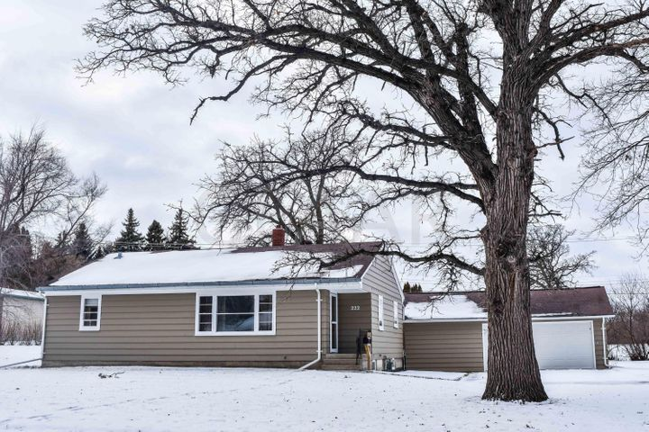 222 S NELSON ST, CROOKSTON, MN 56716