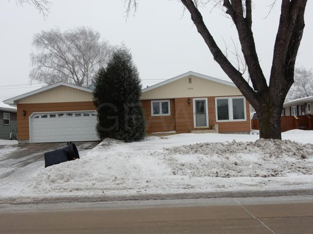 1803 S 20TH Street, GRAND FORKS, ND 58201
