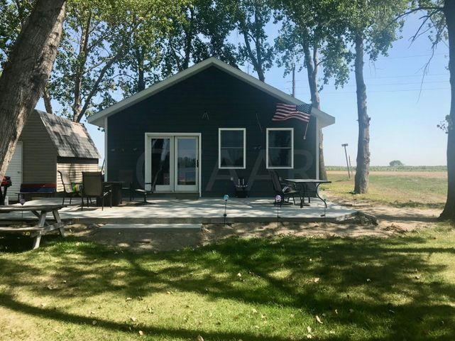 2080 GOLDEN SHORES Drive, HATTON, ND 58240