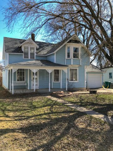 235 2ND Street NW, MAYVILLE, ND 58257
