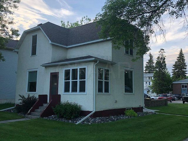 402 N 4TH Street, GRAND FORKS, ND 58203
