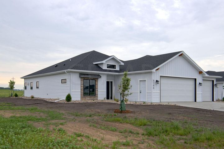 6166 CAMELLIA Circle, GRAND FORKS, ND 58201