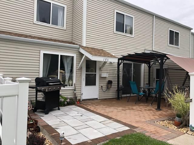 185 PARKVIEW Circle, GRAND FORKS, ND 58201