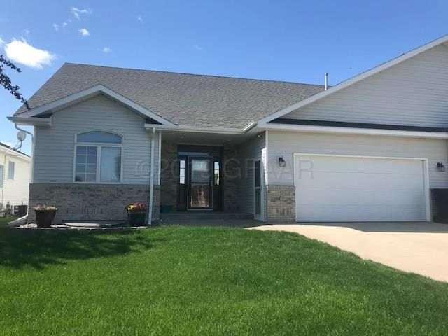 5596 CYPRESS POINT Drive, GRAND FORKS, ND 58201