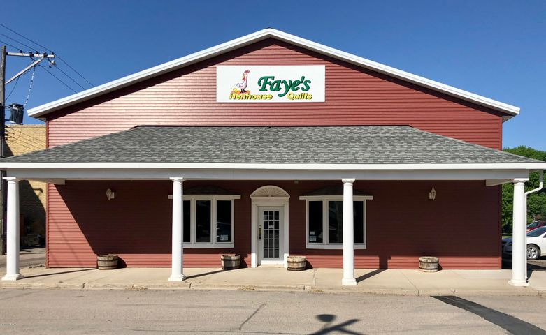 37 CENTER Avenue N, MAYVILLE, ND 58257