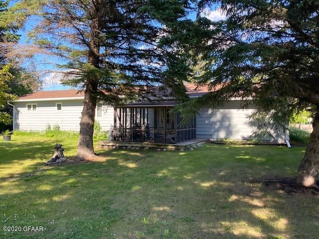 1124 3RD Avenue, CANDO, ND 58324