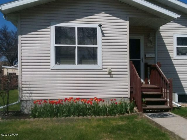 904 SUNSET Drive, GRAND FORKS, ND 58201