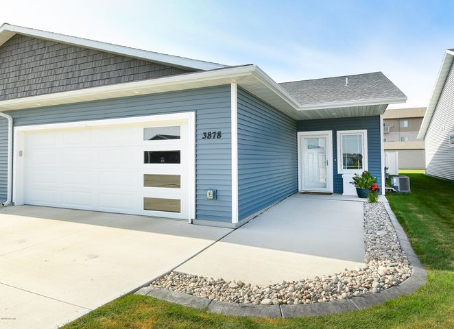 3878 S 35TH Street, GRAND FORKS, ND 58201