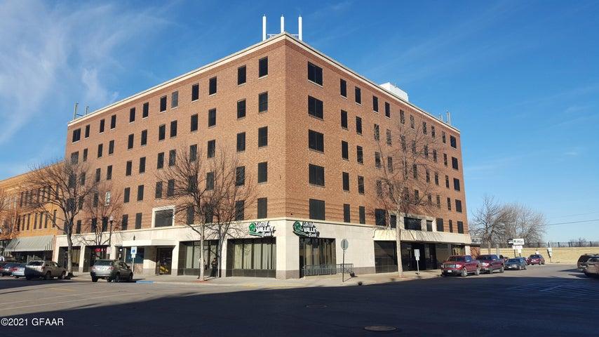 106 N 3RD Street, GRAND FORKS, ND 58203