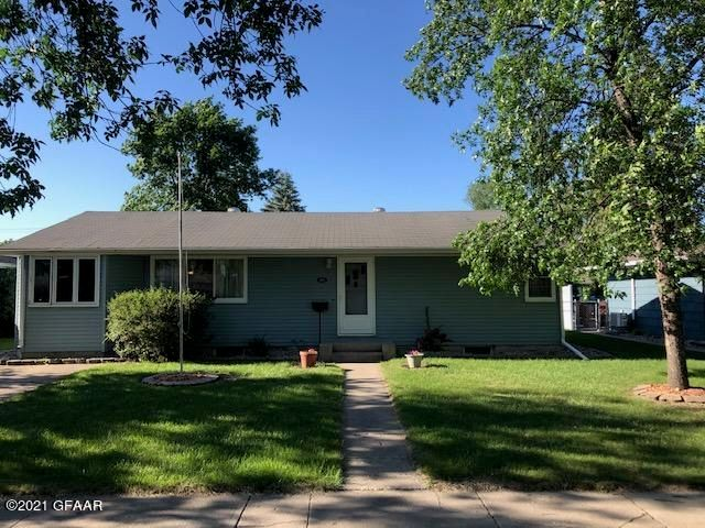 414 22ND Avenue S, GRAND FORKS, ND 58201