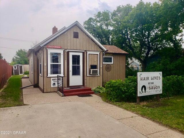 410 5TH Street SE, Devils Lake, ND 58301