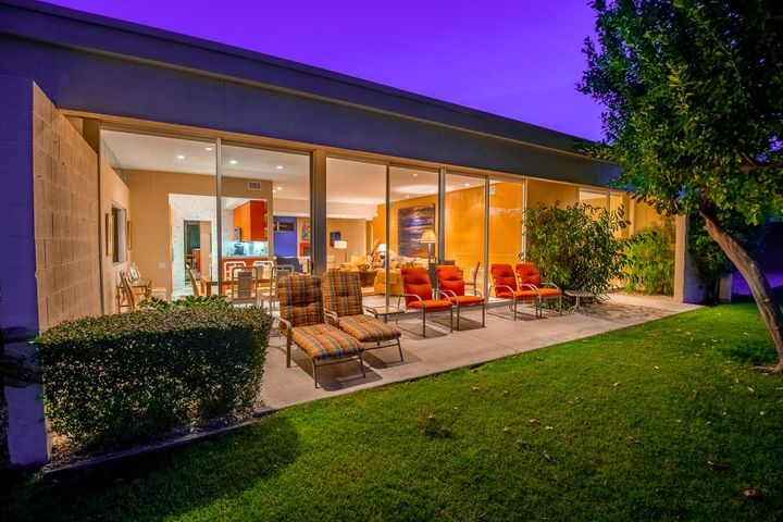 383 Desert Lakes Drive, Palm Springs, CA 92264