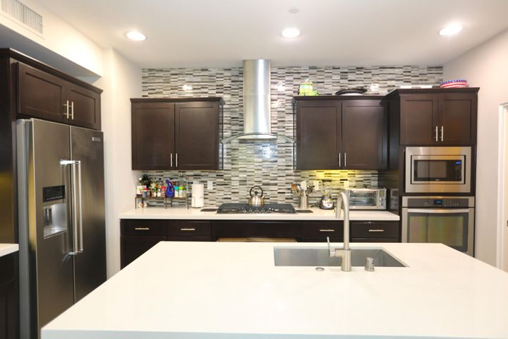 Stunning feature wall in kitchen