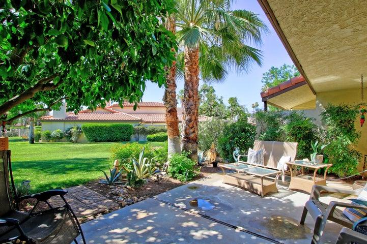412 Pebble Creek Lane, Palm Desert, CA 92260