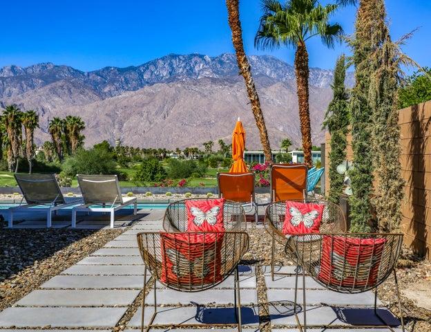 599 Soriano Way, Palm Springs, CA 92262