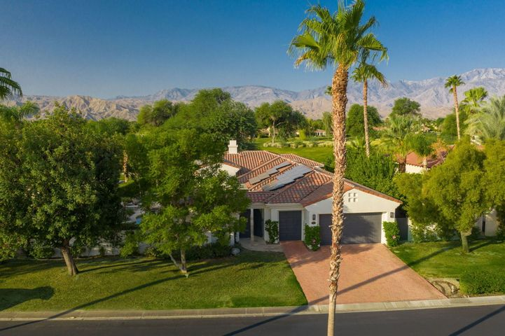 202 Loch Lomond Road, Rancho Mirage, CA 92270
