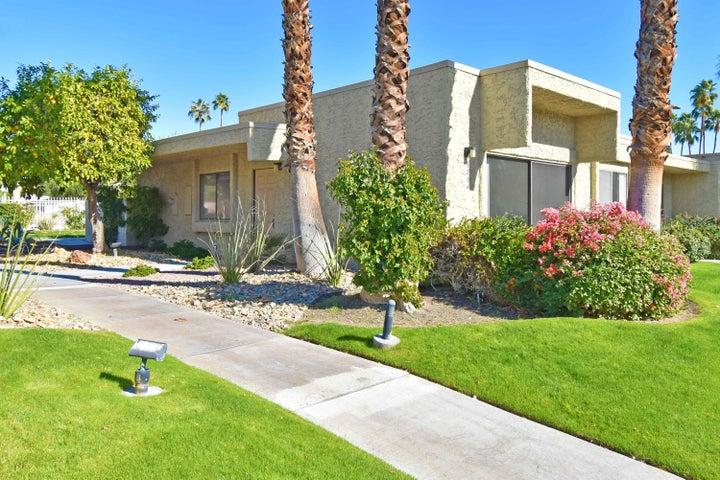 5754 Los Coyotes Drive, Palm Springs, CA 92264
