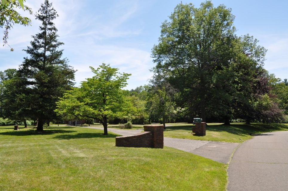 2 Crown Lane,Greenwich,Connecticut 06831,3 Bedrooms Bedrooms,2 BathroomsBathrooms,Crown,100816
