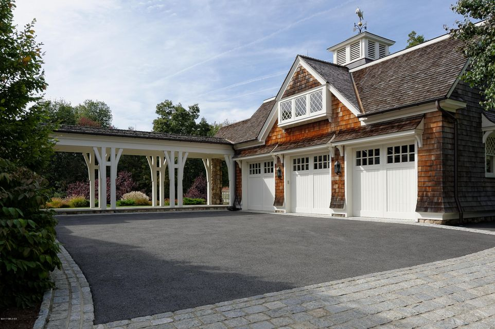 586 Round Hill Road, Greenwich, CT 06831