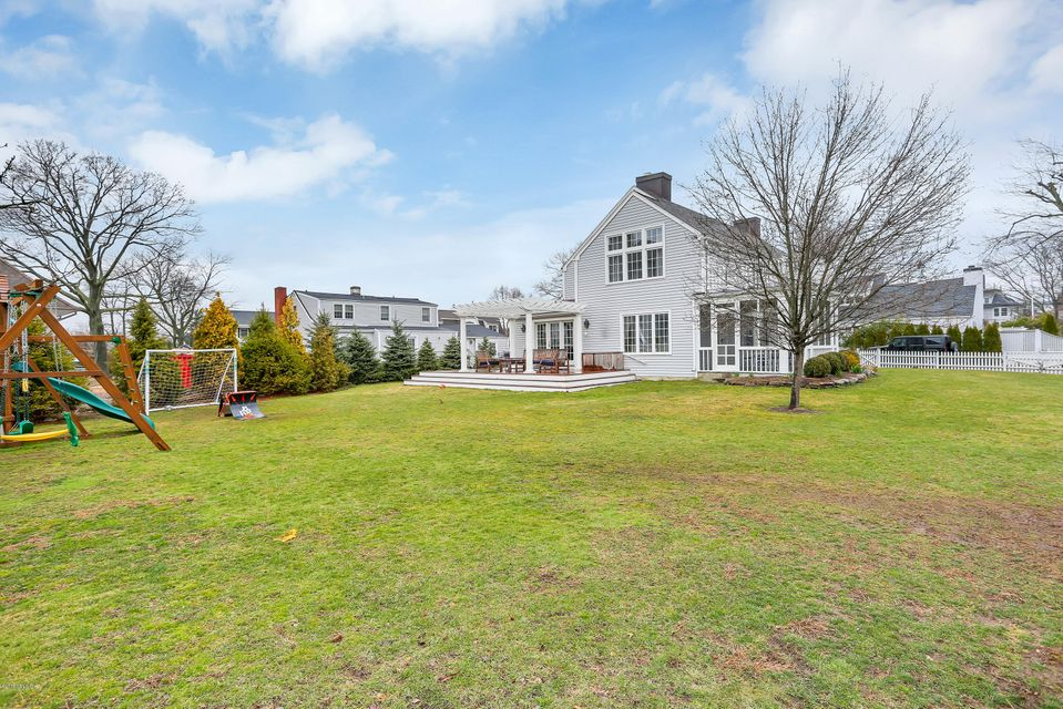 7 West Way, Old Greenwich, CT 06870