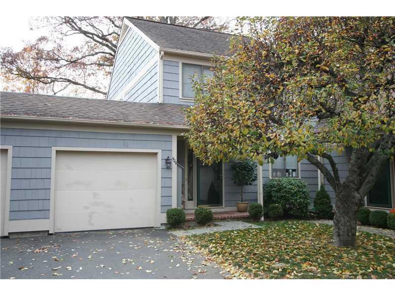 529 W Lyon Farm Drive 529, Greenwich, CT 06831
