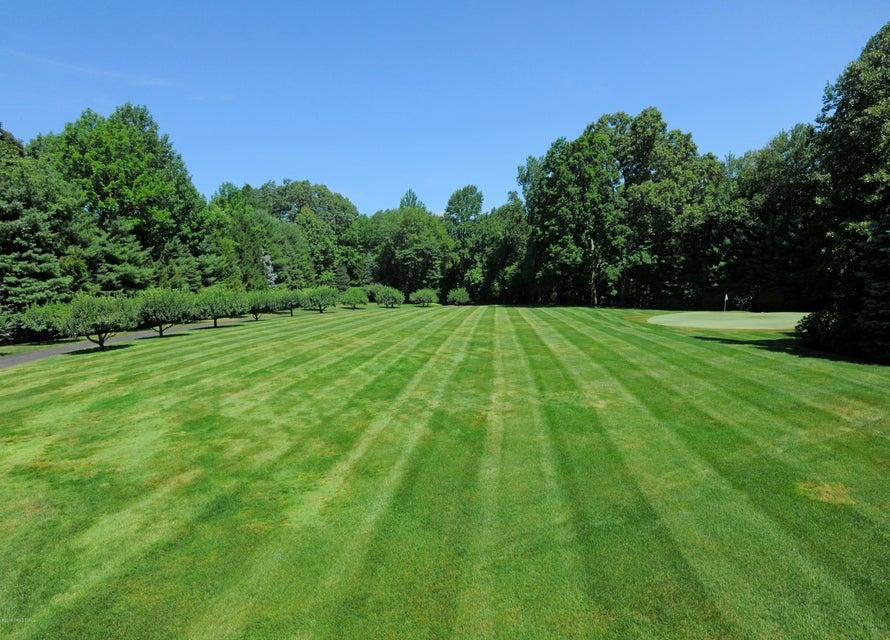 10 Deer Meadow Lane, Stamford, CT 06903