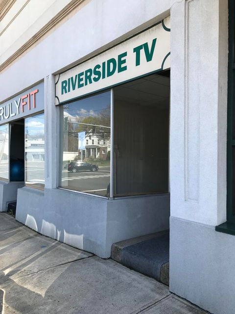 1126 E Putnam Avenue, Riverside, CT 06878