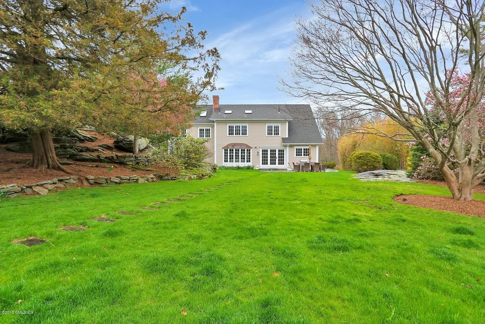 34 Hettiefred Road, Greenwich, CT 06831