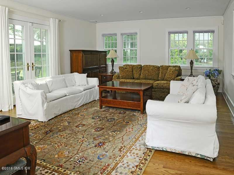 21 Perryridge Road, Greenwich, CT 06830