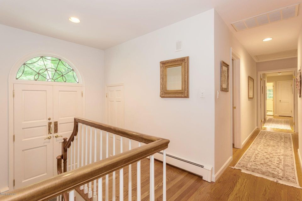 20 Bentwood Drive, Stamford, CT 06903