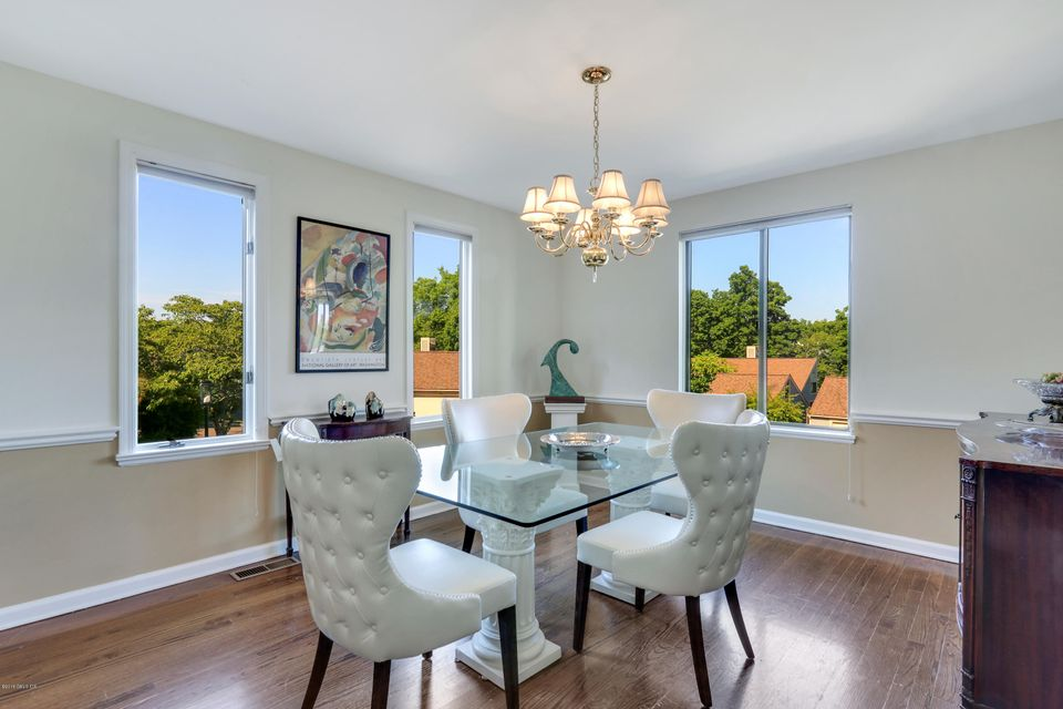 608 Lyon Farm Drive,Greenwich,Connecticut 06831,3 Bedrooms Bedrooms,2 BathroomsBathrooms,Condominium,Lyon Farm,103737