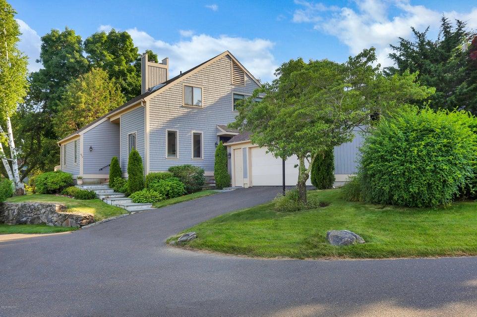 608 W Lyon Farm Drive 608, Greenwich, CT 06831