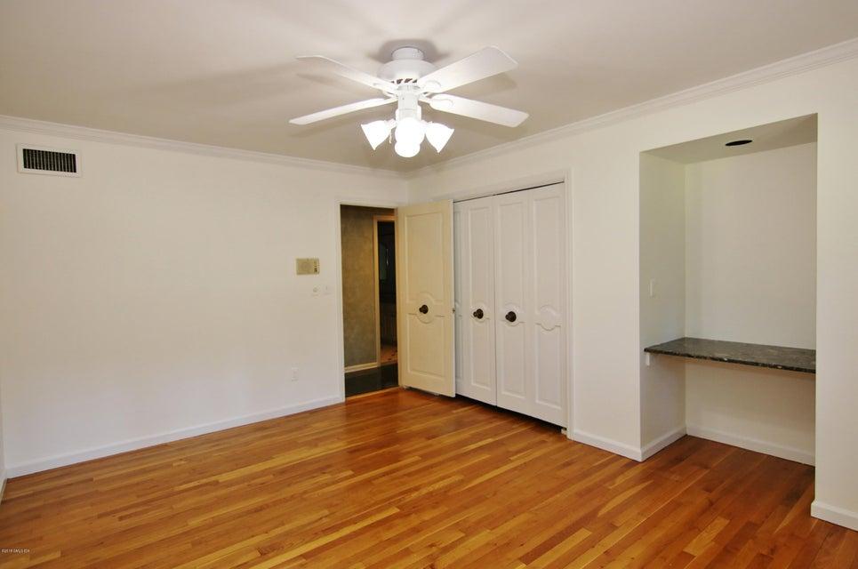 193 Dogwood Lane, Stamford, CT 06903