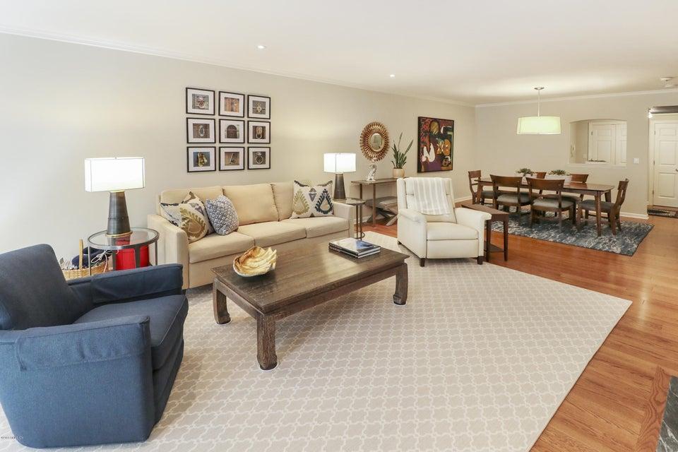 33 Putnam Avenue,Greenwich,Connecticut 06830,1 Bedroom Bedrooms,1 BathroomBathrooms,Condominium,Putnam,104213