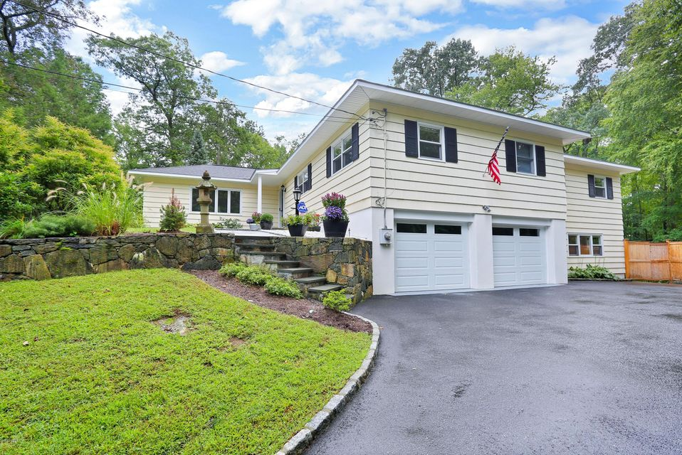 8 Thistle Lane,Greenwich,Connecticut 06831,4 Bedrooms Bedrooms,3 BathroomsBathrooms,Single family,Thistle,104550