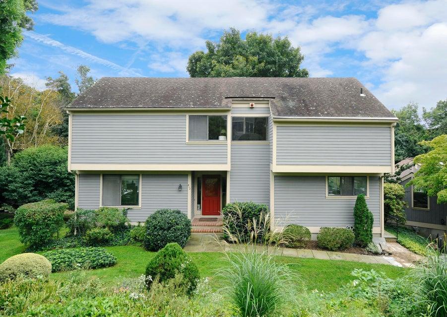 412 W Lyon Farm Drive 412, Greenwich, CT 06831
