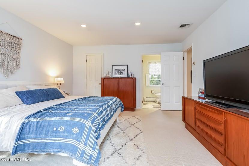 105 Lockwood Road,Riverside,Connecticut 06878,4 Bedrooms Bedrooms,2 BathroomsBathrooms,Single family,Lockwood,104930