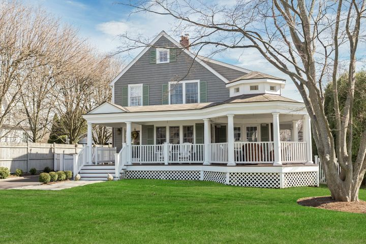6 Sunset Road, Old Greenwich, CT 06870