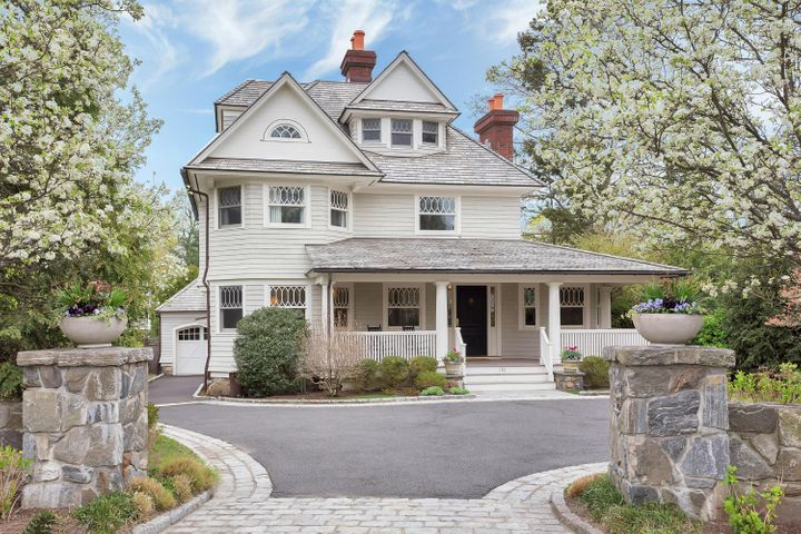 110 Shore Road, Old Greenwich, CT 06870